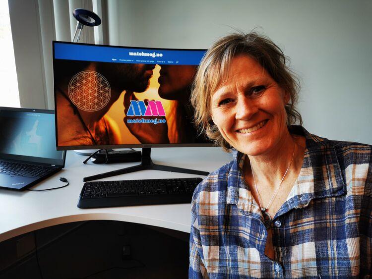 NYE METODER: Heidi Helgerud opplever at mange ikke klarer å finne den rette på egen hånd. Nå har hun startet en matchingside på nett der uortodokse metoder brukes. FOTO: BENTE WEMUNDSTAD