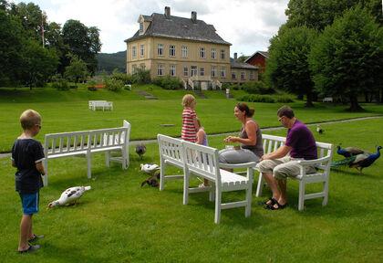 Gulskogen gård er opprinnelig en bondegård. Hannibal Sehested kjøpte eiendommen rundt 1650. Hovedbygningen ble sannsynligvis oppført mellom 1794–1800. Eiere var Peter Nicolai og Anne Cathrine Arbo.