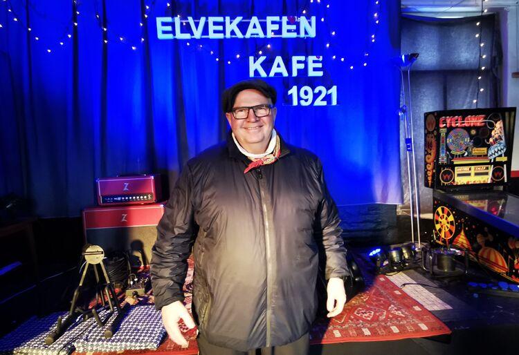 Som musiker er Rune Harald Jahnsen scenevant, men helst med et publikum foran seg i salen. Nå strømmes det konserter herfra.