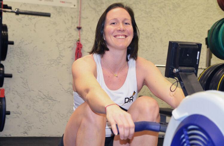 Siri Eva Kristiansen er ny i Drammen og Drammen Roklubb. Rotreneren i USA mente Siri Eva hadde talent for roing da han så henne trene på romaskinen.