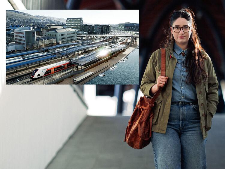 Den nye stasjonen I Drammen åpnes mot byen, og perrongtakene dekkes med solceller. Xhuliana Dhuli, opprinnelig fra Hellas, formelig elsker Drammen og byen hun har flyttet til. FOTO: ANNE METTE STORVIK, BANE NOR  (LITE BILDE ILLUSTRERT FOR BANE NOR AV NORCONSULT/BAEZINI)