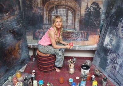 Elisabeth Bjørnesn Werp i sitt atelier.