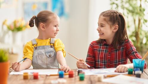 happy-kids-are-painting-at-home-DY2QLUN