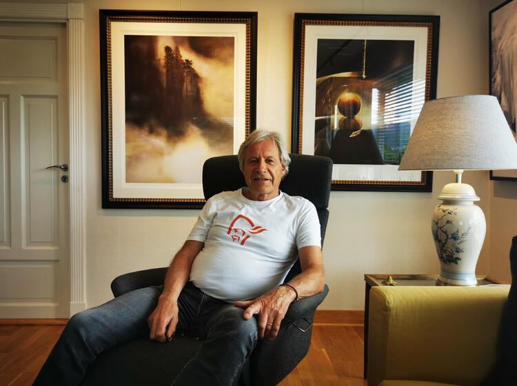 Stort mer hjemmekoselig galleri skal man lete lenge etter. Kunstneren John Erik Johnsen har åpnet dørene til hjemmet sitt på Øren.