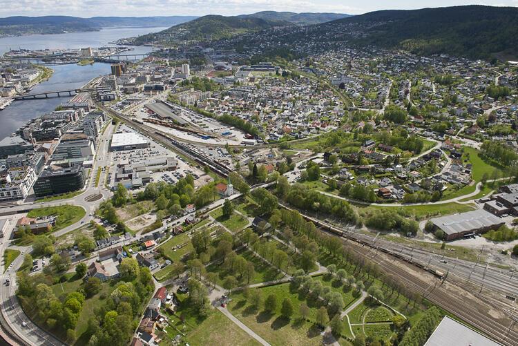 Bane NOR skal gjøre store arbeider på Strømsø-siden av Drammen.  FOTO: ANNE METTE STORVIK/BANE NOR