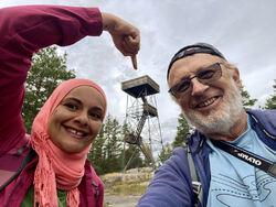 Der oppe har vi vært! Foto: Selfie med Hanans smarttelefon.