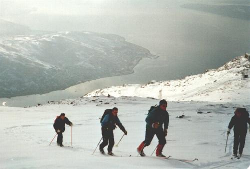 Oppstigning til Mørkholla i Narvik